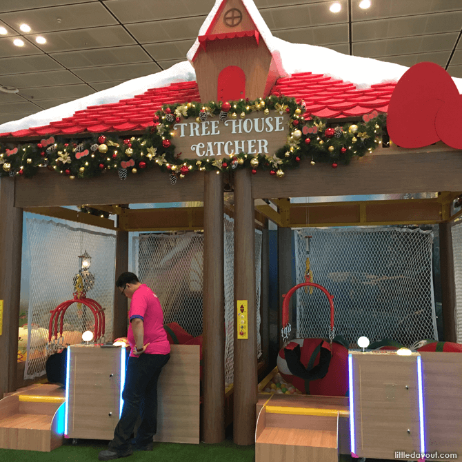 Tree House Catcher, Changi Airport