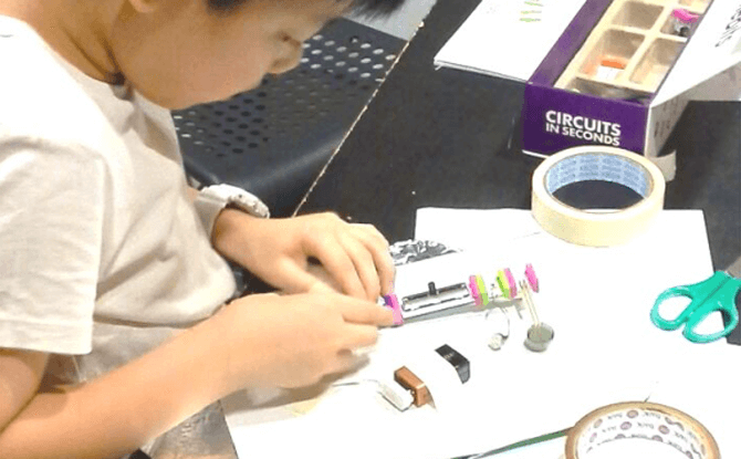 Assembling littleBits