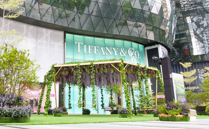 Outdoor swing at ION Orchard for Spring 2018