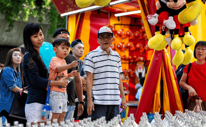 Carnival Games at Christmas Wonderland