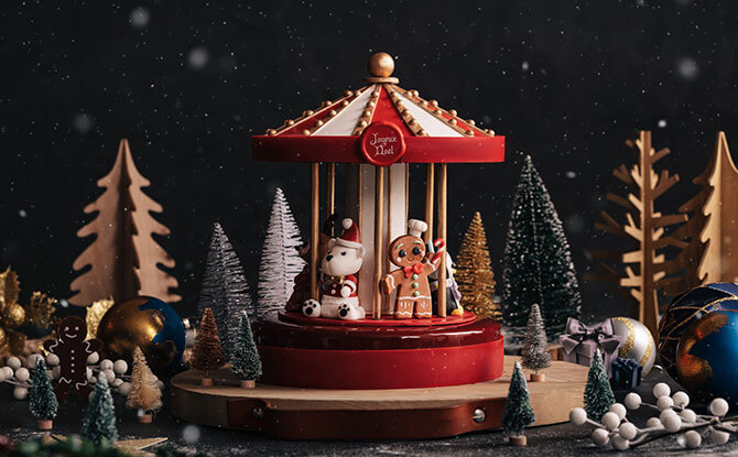 Limited-Edition Christmas Signature Carousel Cake