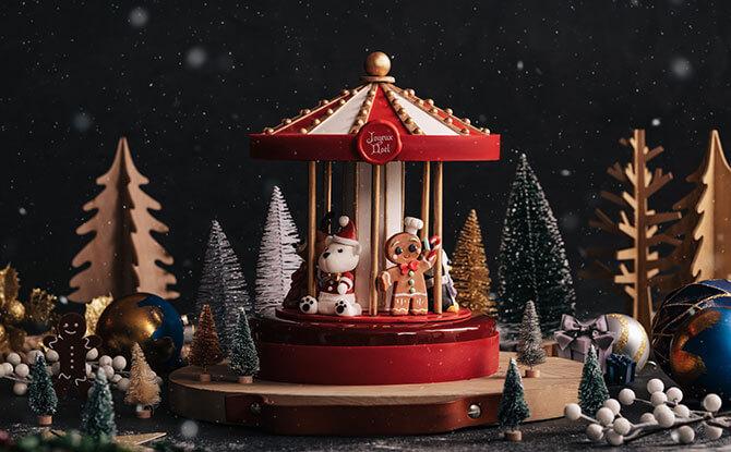 Limited-Edition Christmas Signature Carousel Cake