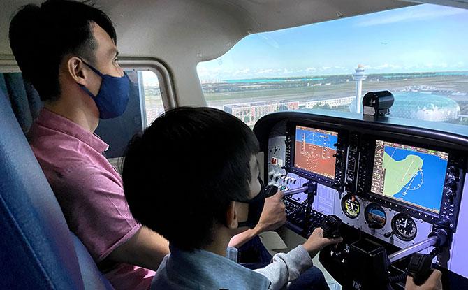 'Take Flight at Changi Airport' Aviation Experience: Flight Simulator & Airport Experiences In One Bundle