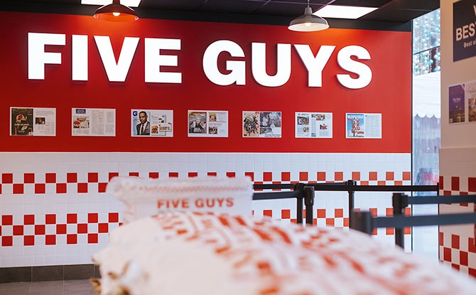 FIVE GUYS Expansion
