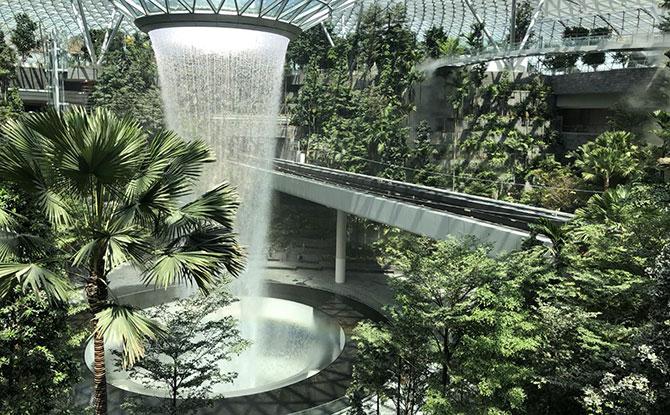 e-Jewel-Changi-Airport---image-1