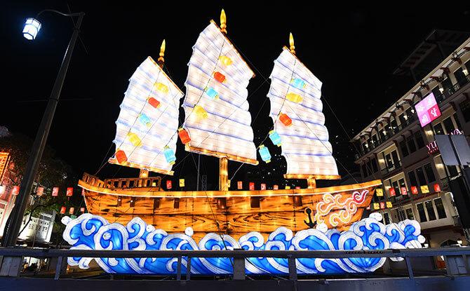 Chinese junk ship lantern, Singapore Chinatown 2018