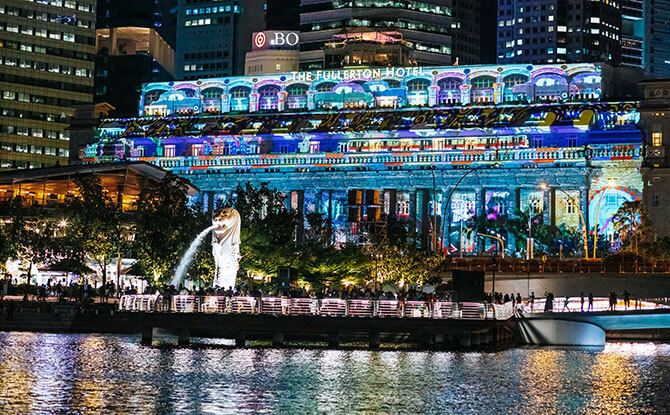 One Fullerton - Where to Watch the Marina Bay 2020 fireworks in Singapore - The Fullerton Hotel Singapore Light Projections