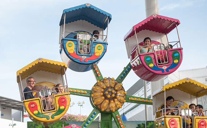 Carnival Rides, Game Booths & Performances at The Giving Family Festival 2018