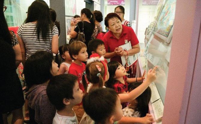 Straits Family Sundays - Mari Amek Gambar (Come let's take a photo) - Children's Season 2018 at The Peranakan Museum