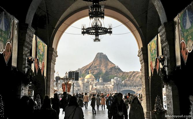 Mount Promethus, Tokyo DisneySea