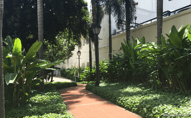 Shaded walkways at Ann Siang Hill Park