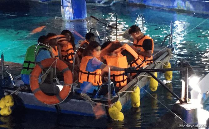 Glass-bottom Boat, SEA LIFE Bangkok Aquarium