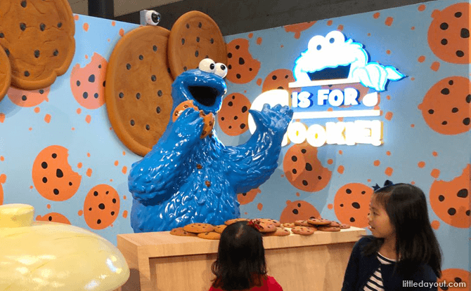 Cookie Monster at Changi Airport T3, Sesame Street Airport Takeover Pop-up Exhibition