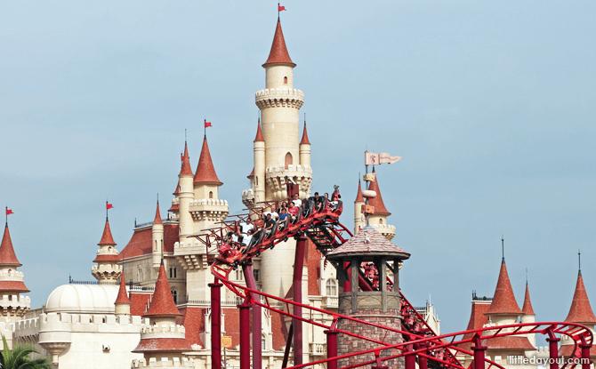 Enchanted Airways Ride - Junior Rollercoaster, Universal Studios Singapore