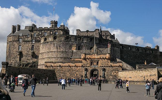 Explore A Castle Online: Go On A Virtual Tour Of Edinburgh Castle From Home