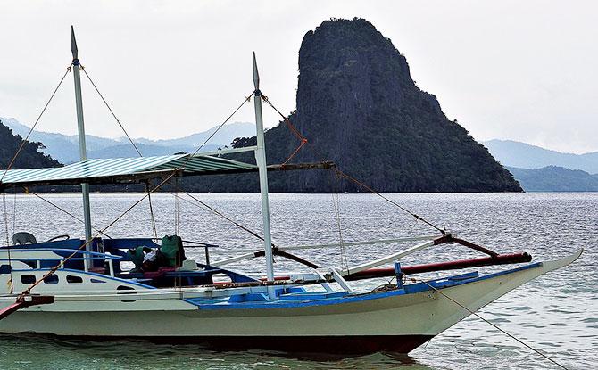 Island hopping at El Nido