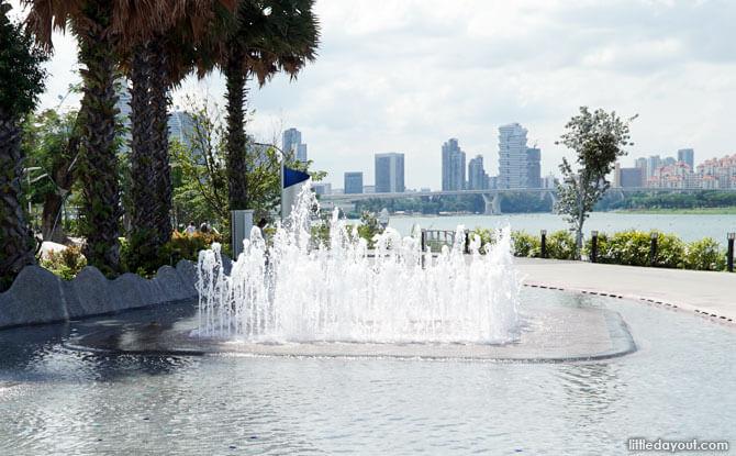Water Fountains at Marina Barrage