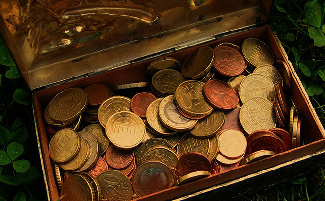 e-generic-treasure-chest-money