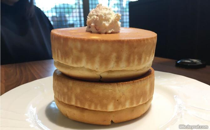 Hoshino Coffee's Double Pancake Souffle Style