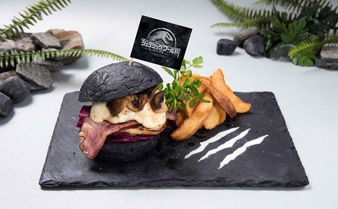 Jurassic World Burger - Jurassic World Café Singapore