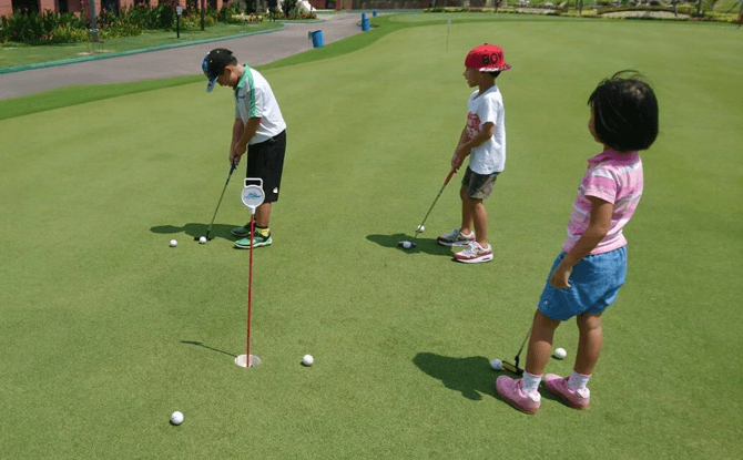 Family Golf Challenge