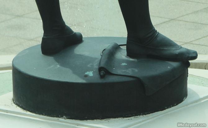 Detail of Sir Stamford Raffles Statue