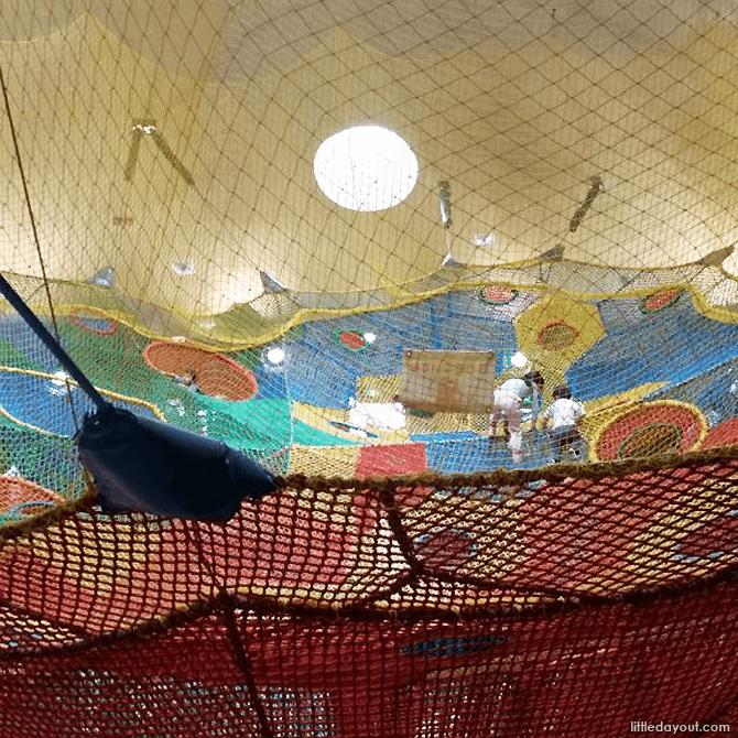 Indoor rainbow nets, Takino Park