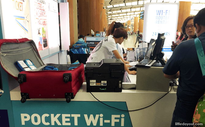 Pocket Wi-Fi Collection Booth at Changi Airport