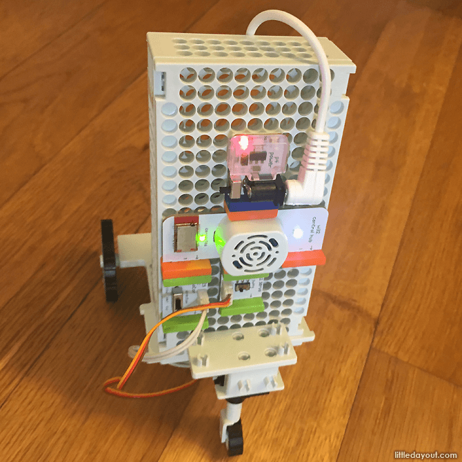 Droid built up from littleBits components