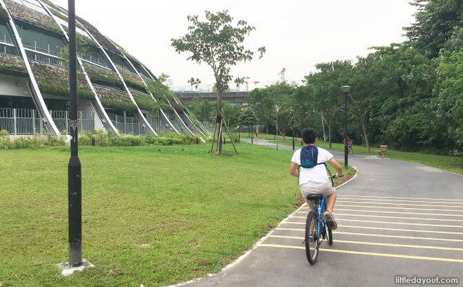 Cycling down to Sengkang