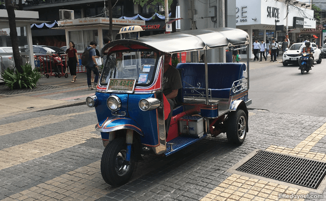 Tuk Tuk - Bangkok with Kids