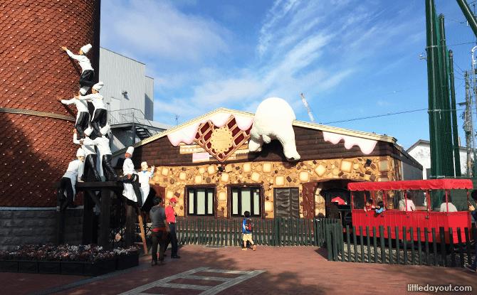 Whimsical structures at Shiroi Koibito Park