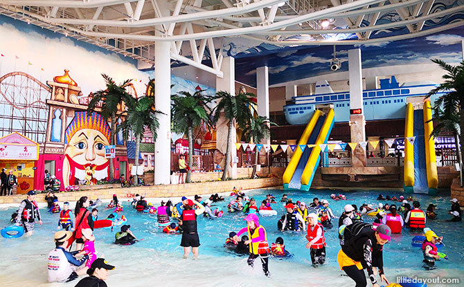 Have a Splash at the Onemount Waterpark - Slides, Wave Pools and Lazy River