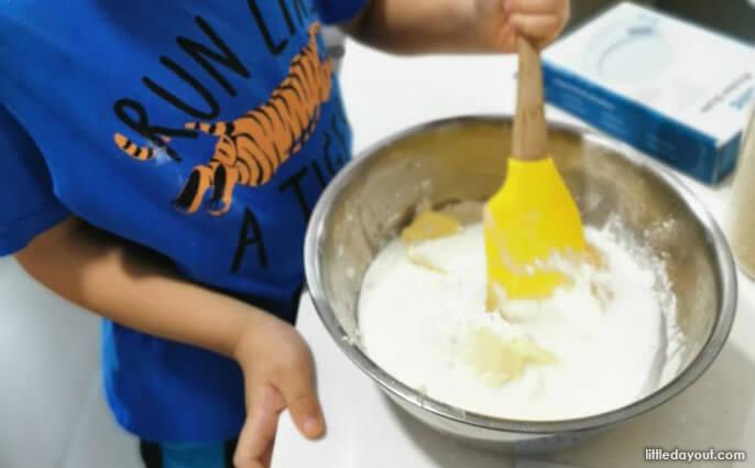 e01-Kid-friendly-Kitchen-Tools-Little-Kitchen-Helper