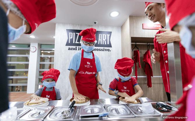 Making Pizza - KidZania Singapore Closing
