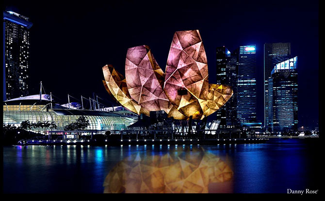 i Light Singapore - Bicentennial Edition: Bridges Of Time Spans 28 January To 24 February 2019