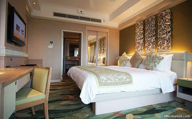 Rooms at Shangri-La's Rasa Sentosa Resort & Spa