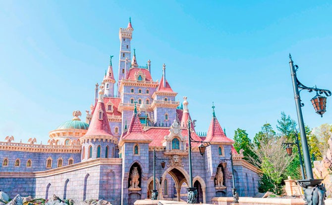 Tokyo Disneyland's New Fantasyland & Beauty and the Beast Attraction