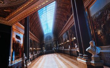 LED Room at ION Orchard - Virtually Versailles: Explore The Grandeur Of The French Palace