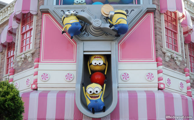 Minions popping out of Sweet Sensation
