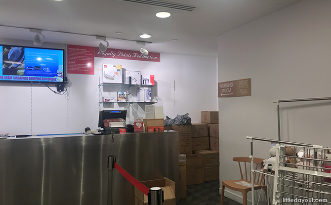 customer service counter at og orchard point