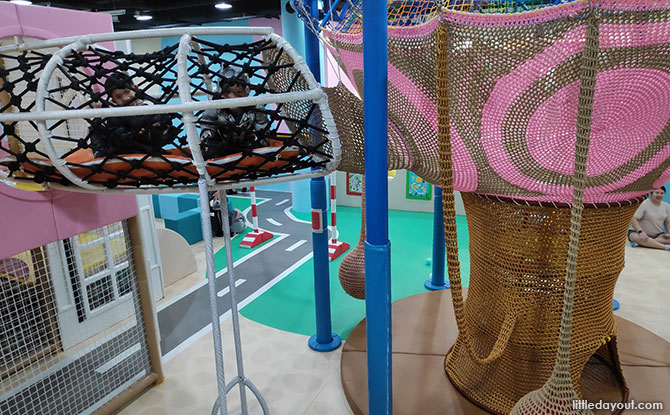 A Netted Treehouse Indoors at SMIGY PLQ
