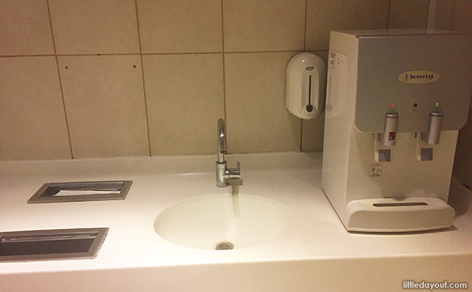sink and hot and cold water dispenser