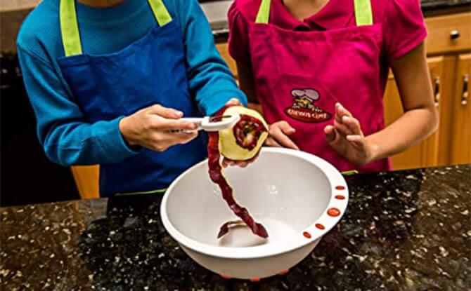 Kid-friendly Kitchen Tools Little Kitchen Helper 04