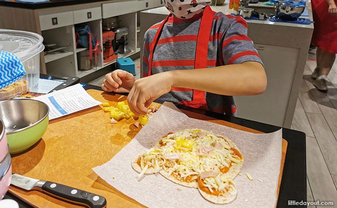 Bear Bear Pizza Wrap