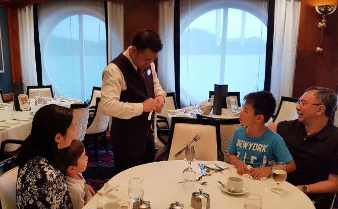 Dining in Style on the cruise with kids