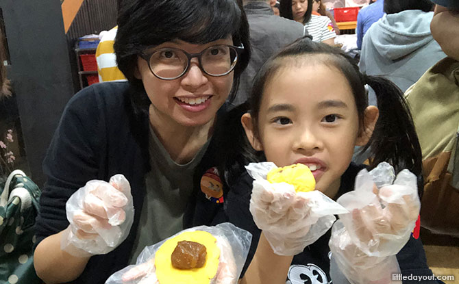 Taipei with kids, Making pineapple pasteries