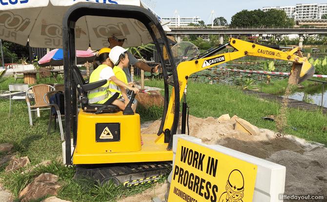 Excavator at Diggersite