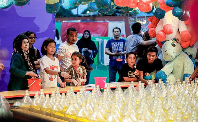 Games at the Prudential Marina Bay Carnival