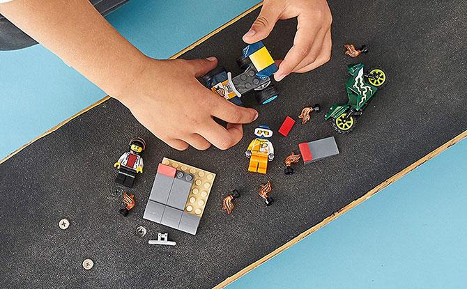 e06 -lego-toys-2020